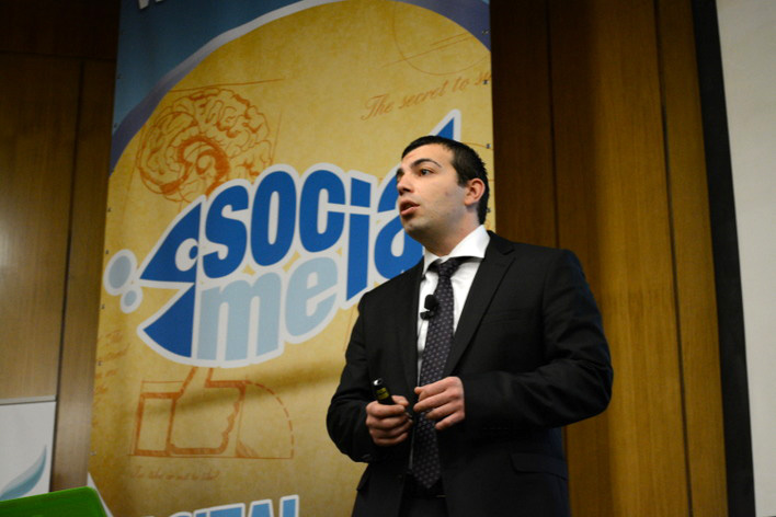 Alen Popovic presenting