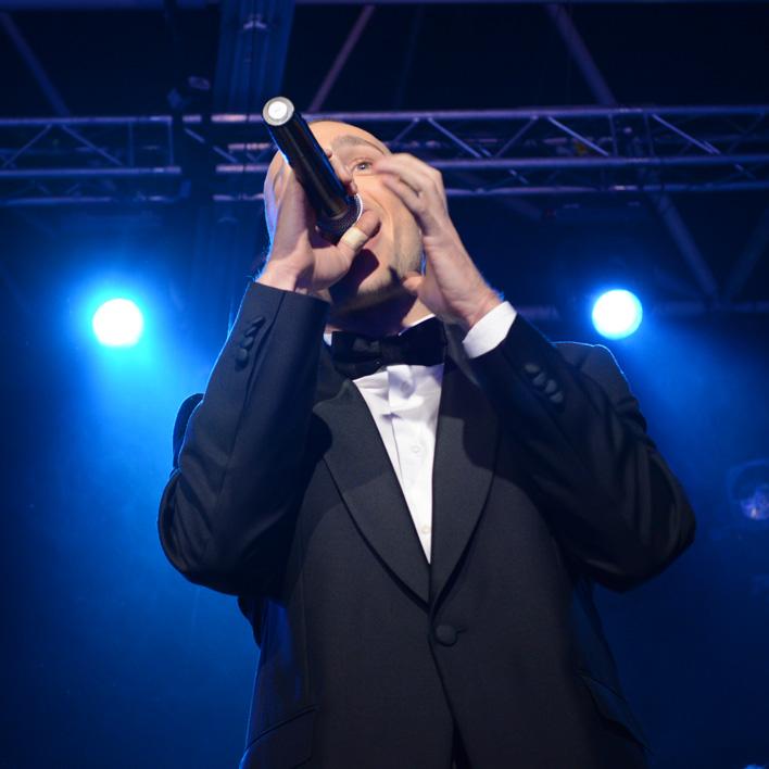 Martin singing I love you baby by Frank Sinatra